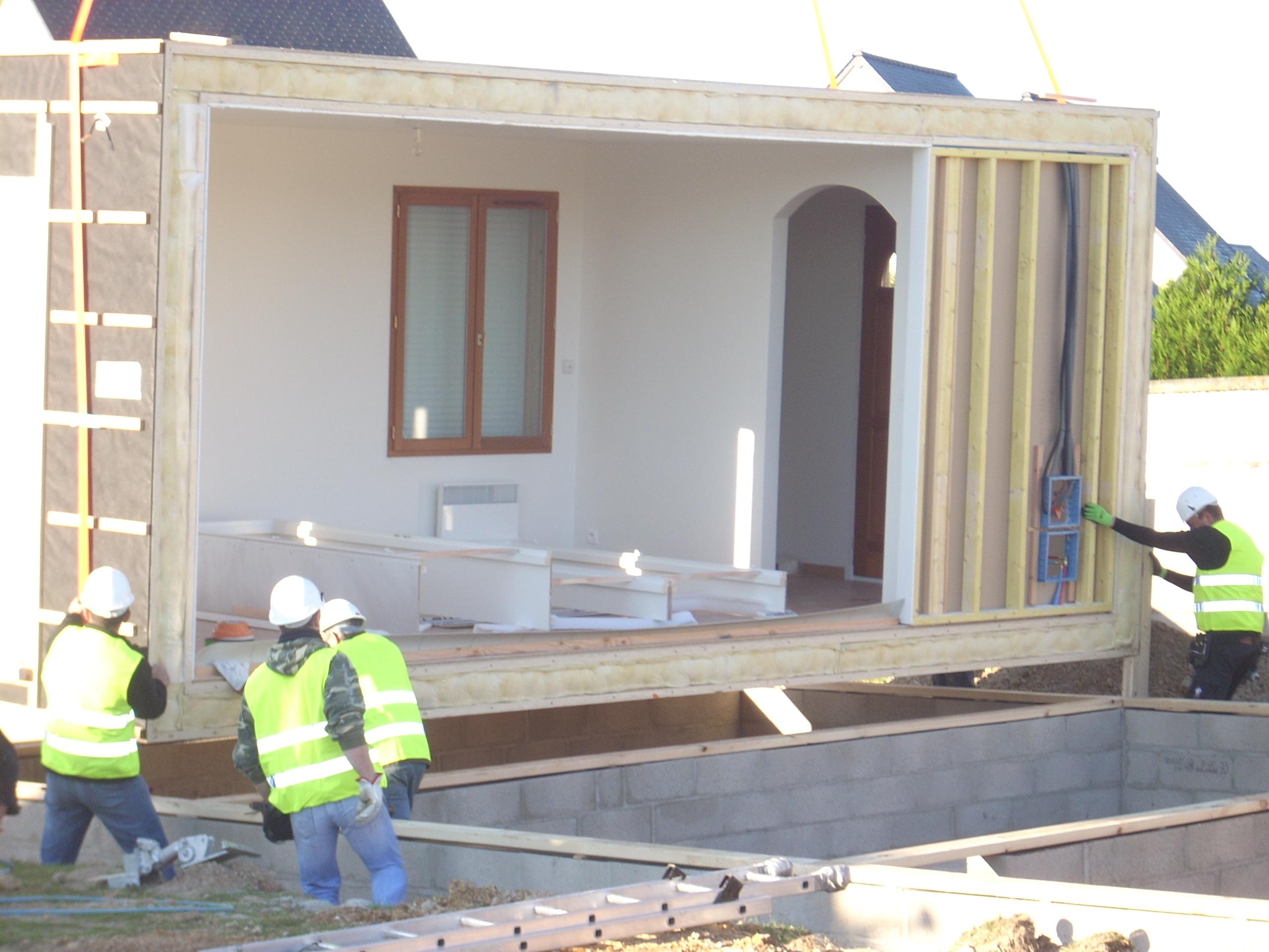 Maison ossature bois agrandissement extension auto for Auto construction maison ossature bois